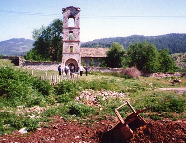 One of the Voskopoje churces in 2000