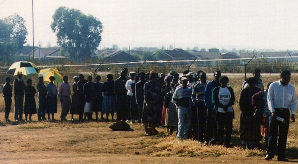 Voters queuing in Mamelodi East, 27 April 1994