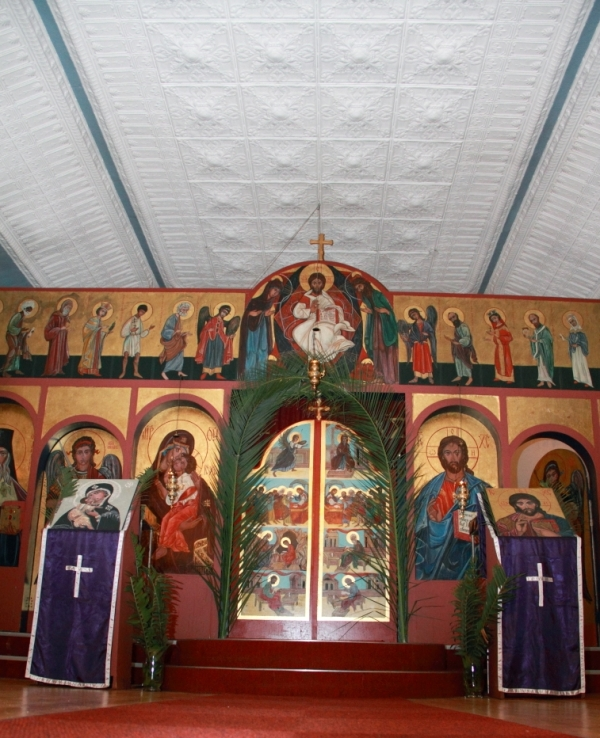 Orthodox Church of St Nicholas of Japan, Brixton, Johannesburg, Palm Sunday 2015. The ikons on the ikonostasis were painted by a parishioner, Cathy MacDonald. One of the features of the church is the pressed-steel ceiling (Photo by Jethro Hayes)