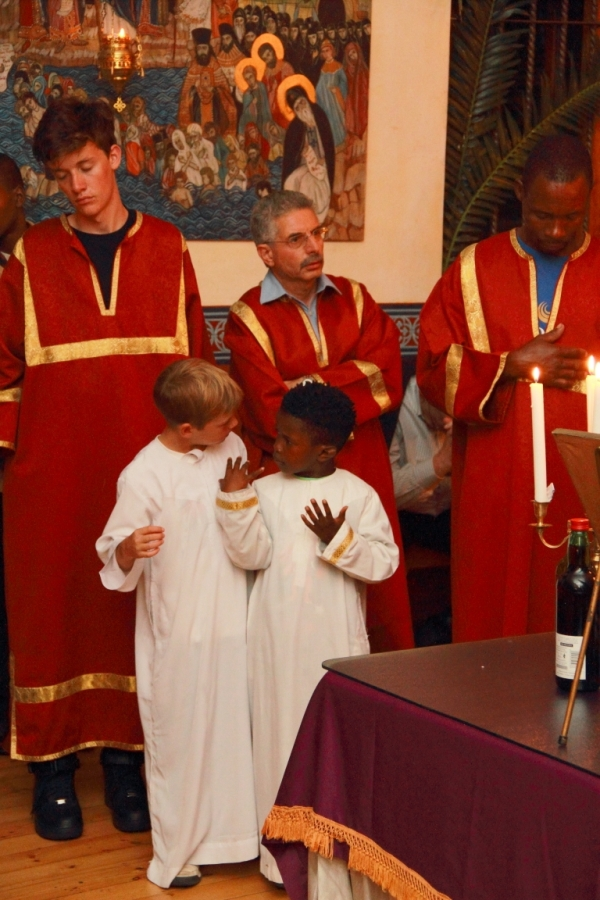Altar boys, a study of postures (Photo by Jethro Hayes)