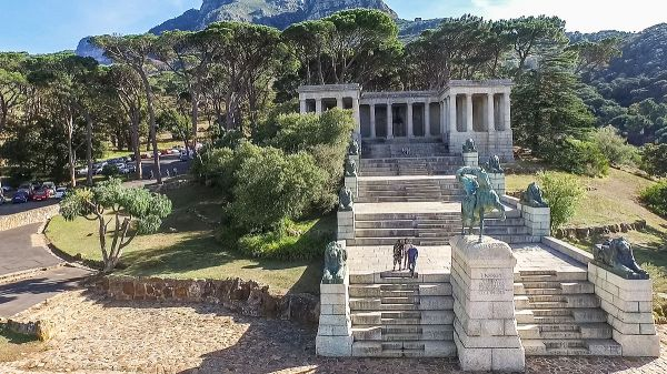 Cecil Rhodes Memorial in Cape Town. By SkyPixels - Own work, CC BY-SA 4.0, https://commons.wikimedia.org/w/index.php?curid=40468097