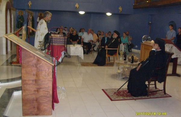 Fr Kobus (van der Riet) addressing the congregation at the end of the service.